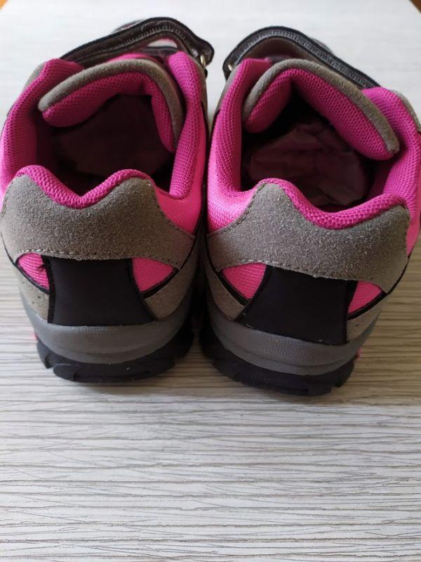 Кроссовки на девочку Bugga